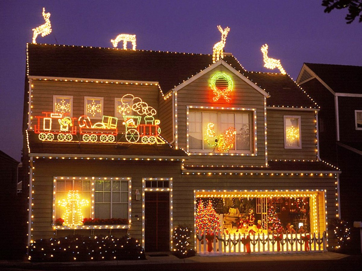 Four Holiday Safety Tips for Homeowners